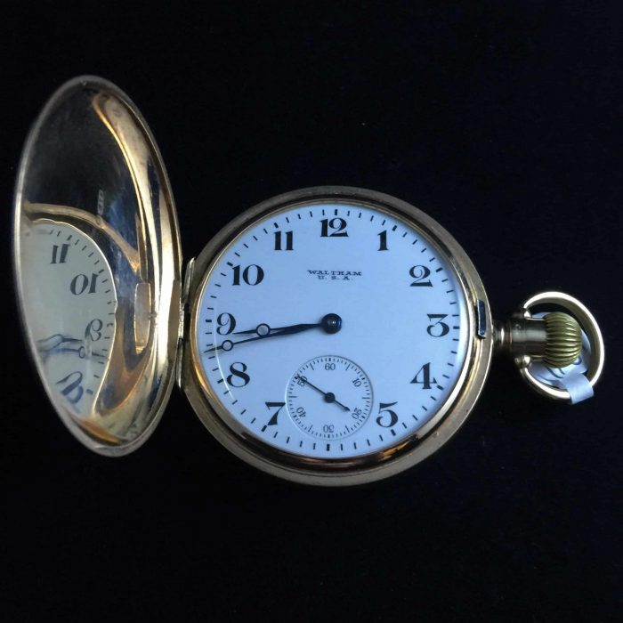 9ct gold full hunter Waltham pocket watch, dated chester 1924.