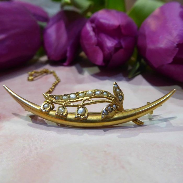 Edwardian 9ct gold and Seed Pearl Brooch